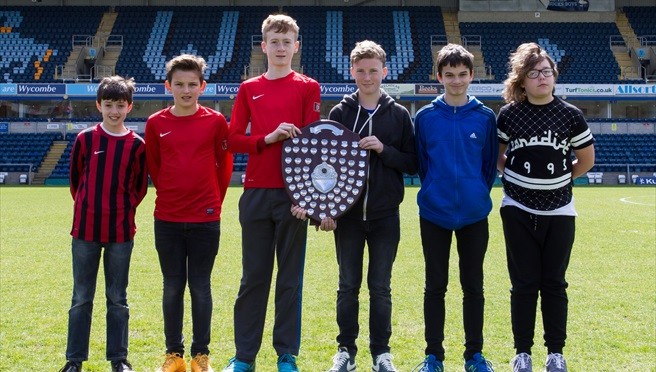 Pitstone & Ivinghoe win Fairplay award 2013/14 in U11 and U12 groups – photos and tables
